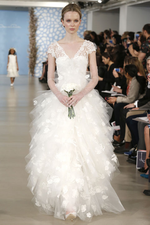 oscar-de-la-renta-wedding-dresses-spring-2014